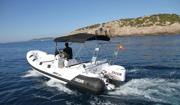 Selva Marine 650 DS (without captain)