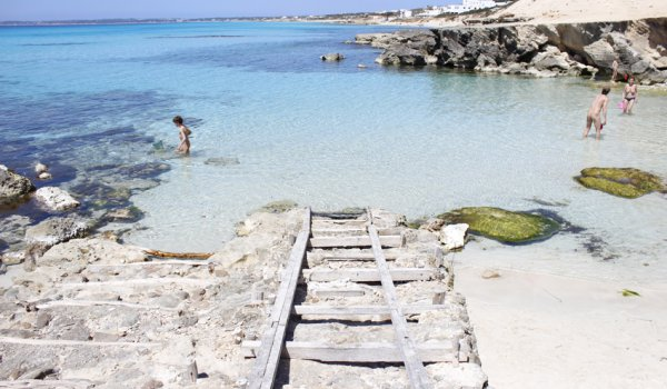These are the best beaches for dropping anchor around Formentera