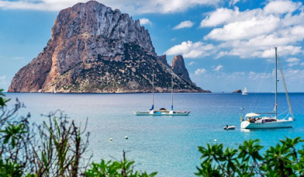 A sailing route around Ibiza's most beautiful islets