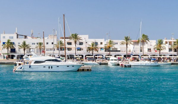 Discover the ports of Ibiza and Formentera!