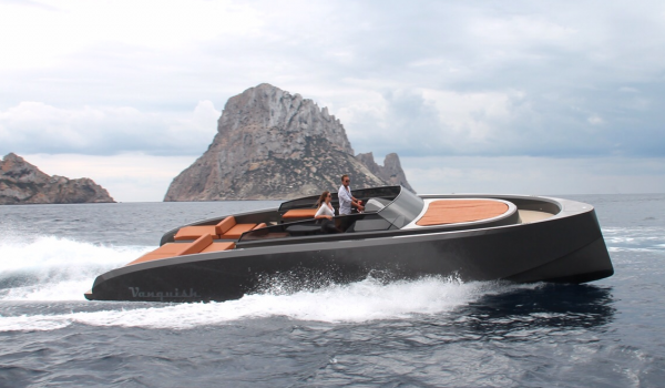 Sailing boat or motor boat? Which should you choose for a boat trip around Ibiza and Formentera?